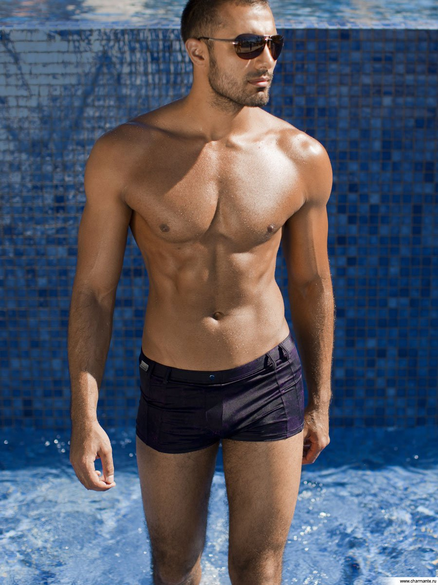 Картинка мужчина в плавках